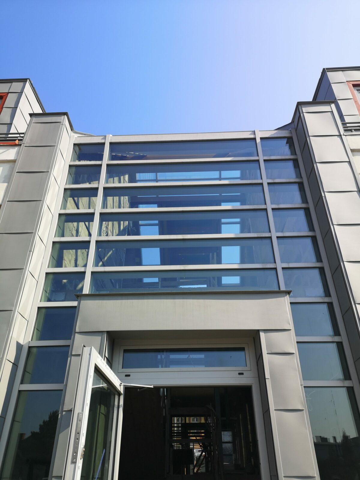 Aluminiowe okna w formie fasady